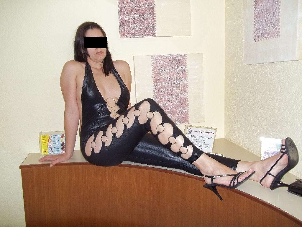 Raquel cedeu uma entrevista para o site Erótico e profano